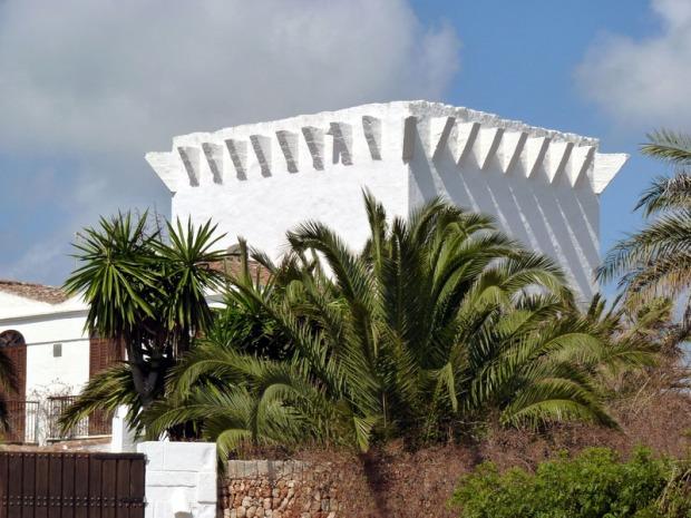 Casa de Torret donde se puede apreciar la antigua torre predial